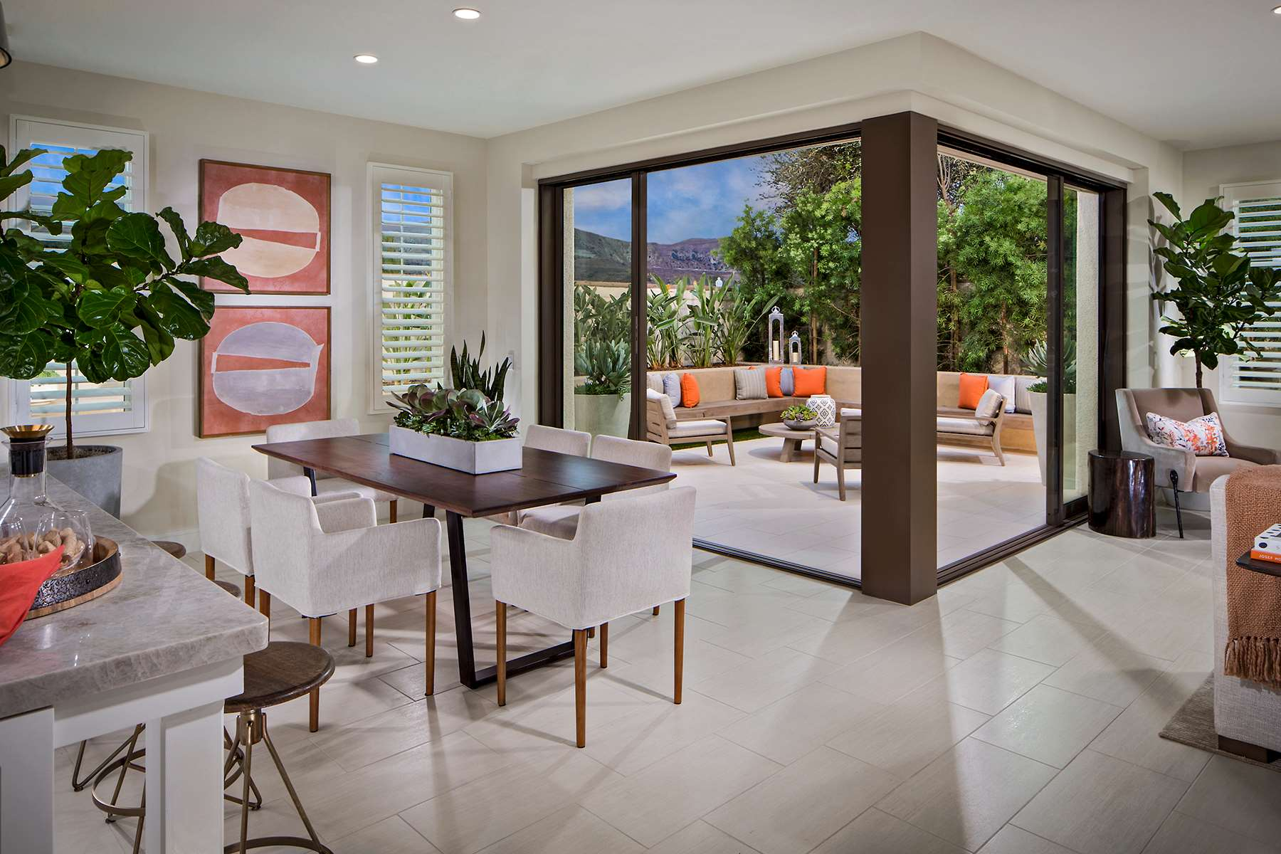 Dining Room at Lago Residence 2 in Irvine