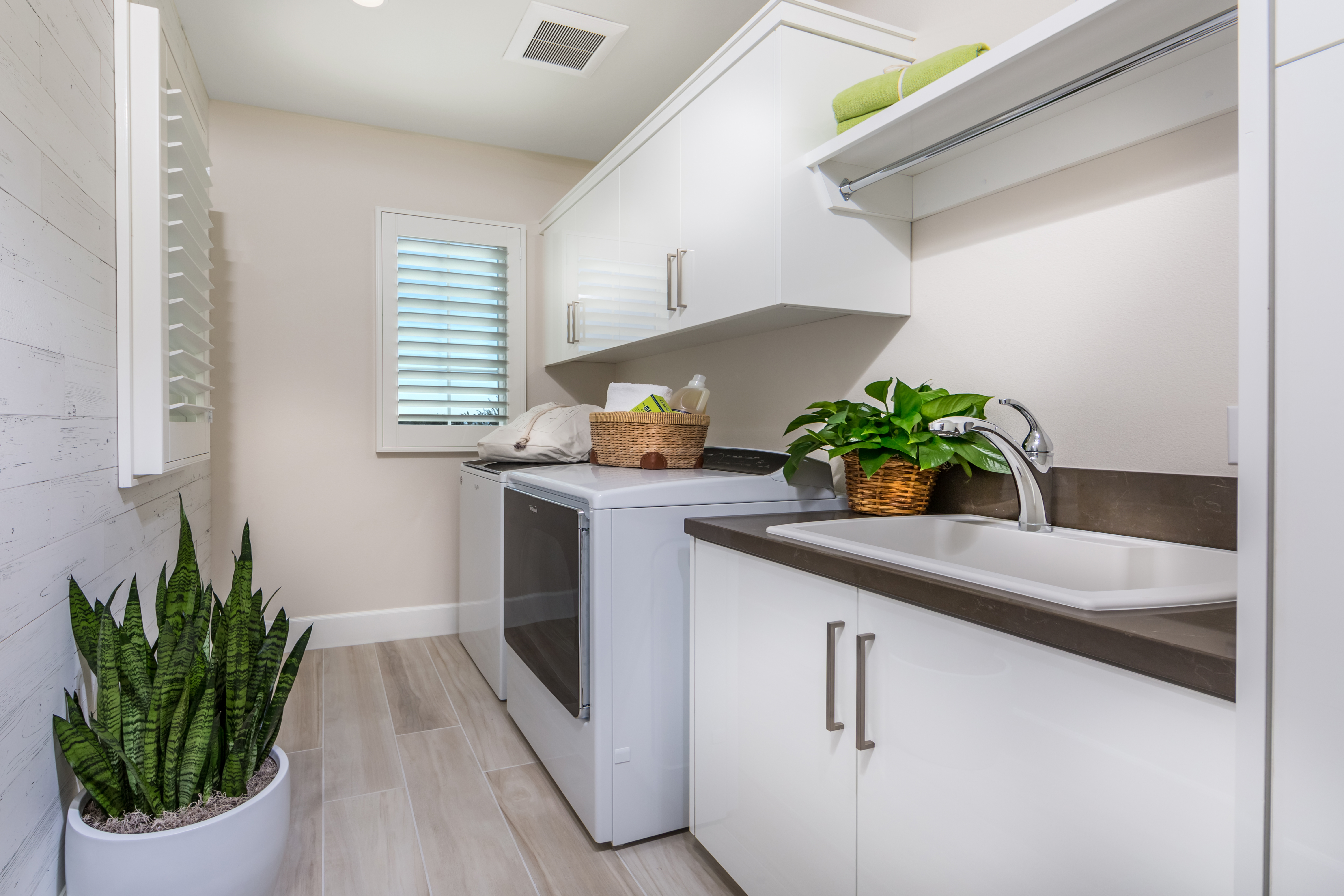 Laundry Room at Como Residence 1 in Irvine