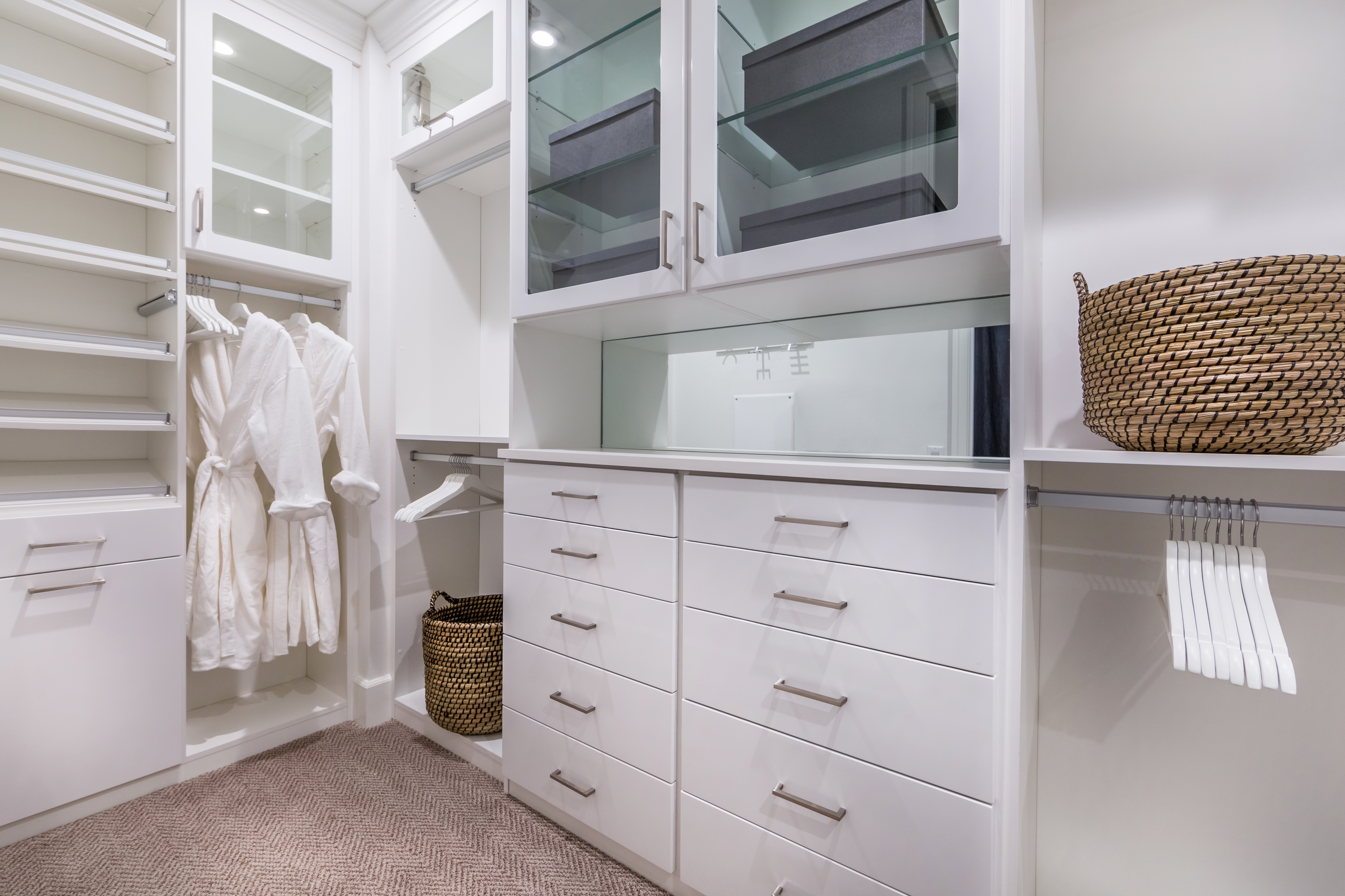 Masetr Closet at Como Residence 1 in Irvine