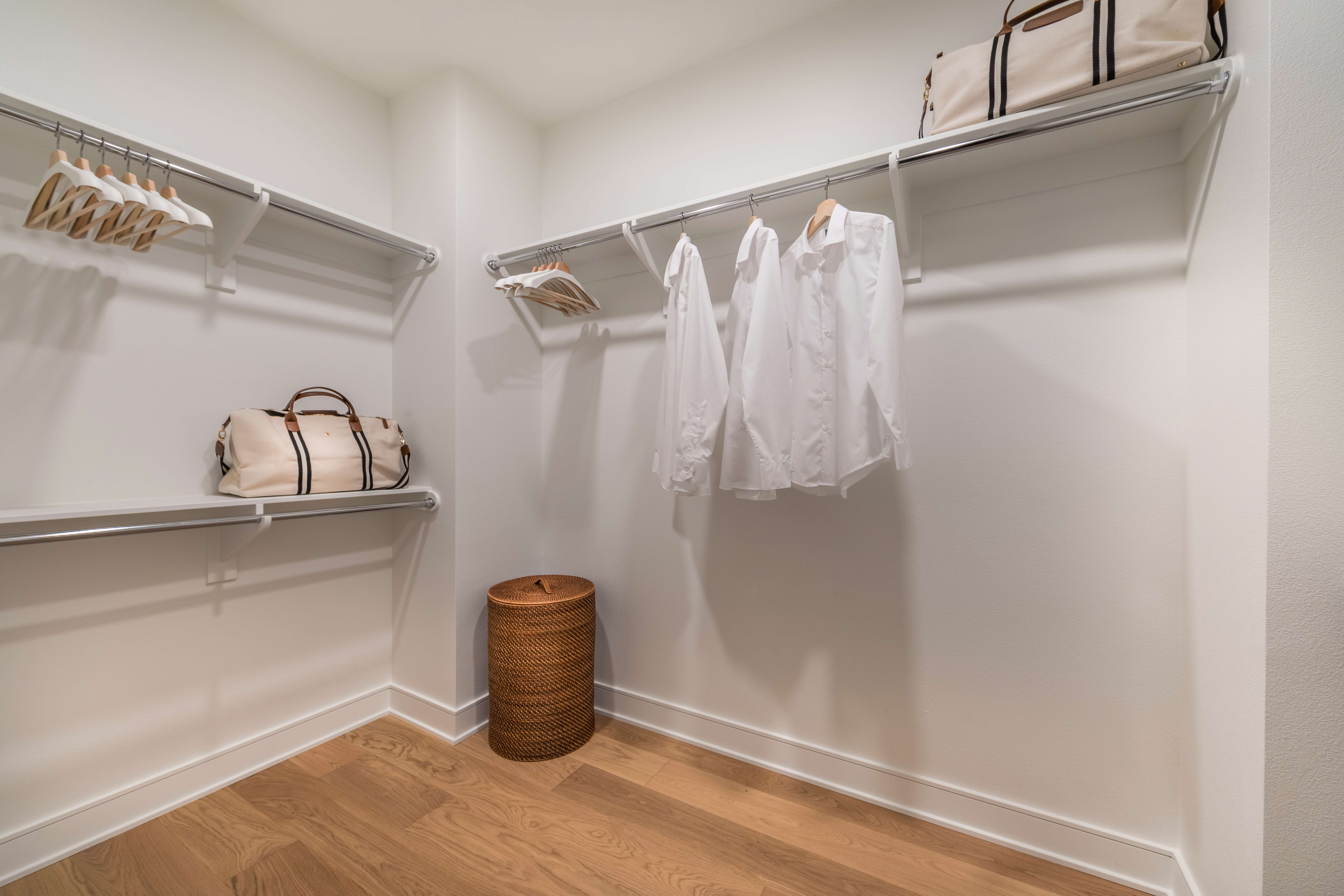 Master Closet in Barcelona Plan 1